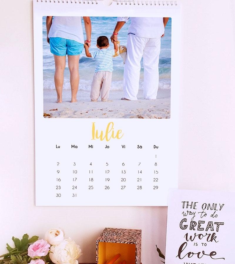 calendar de perete 2021 personalizat cu poze lady cozac 6